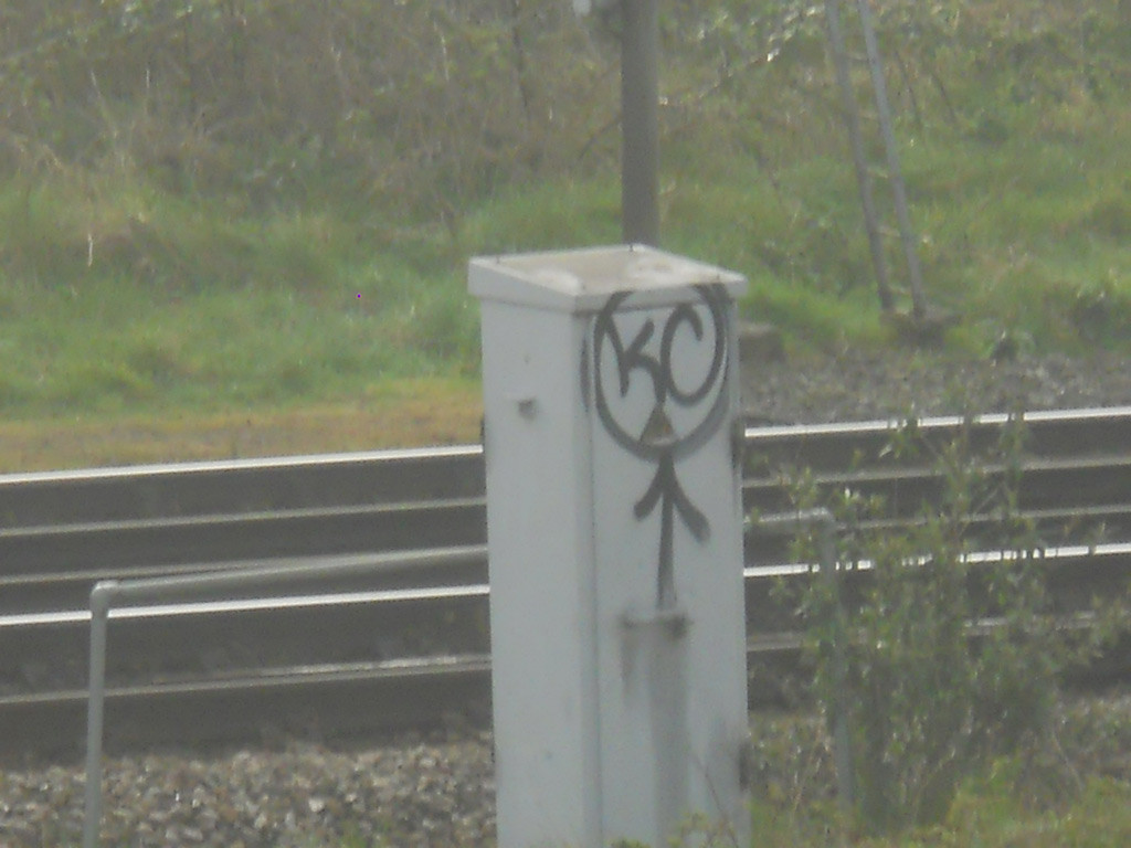 gatwick-express-graffiti-06